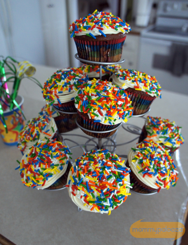 Mickey Mouse cupcake liners