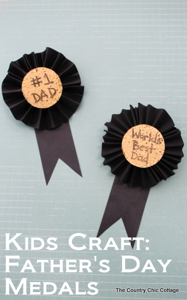 5 Frugal Father's Day DIY Gifts | DIY Medals for Dad